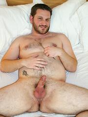 Sexy beefy cub Corey Pierce in solo scene