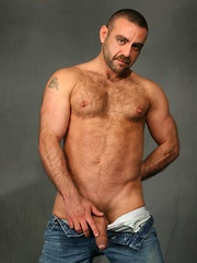 Sexy Spanish bear Manu Maltes will heat you up with his rock hard body and spicy European moves