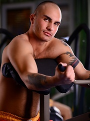 Hairy dude in a gym