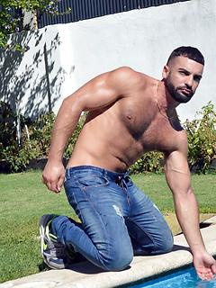 gay model Abraham Al Malek